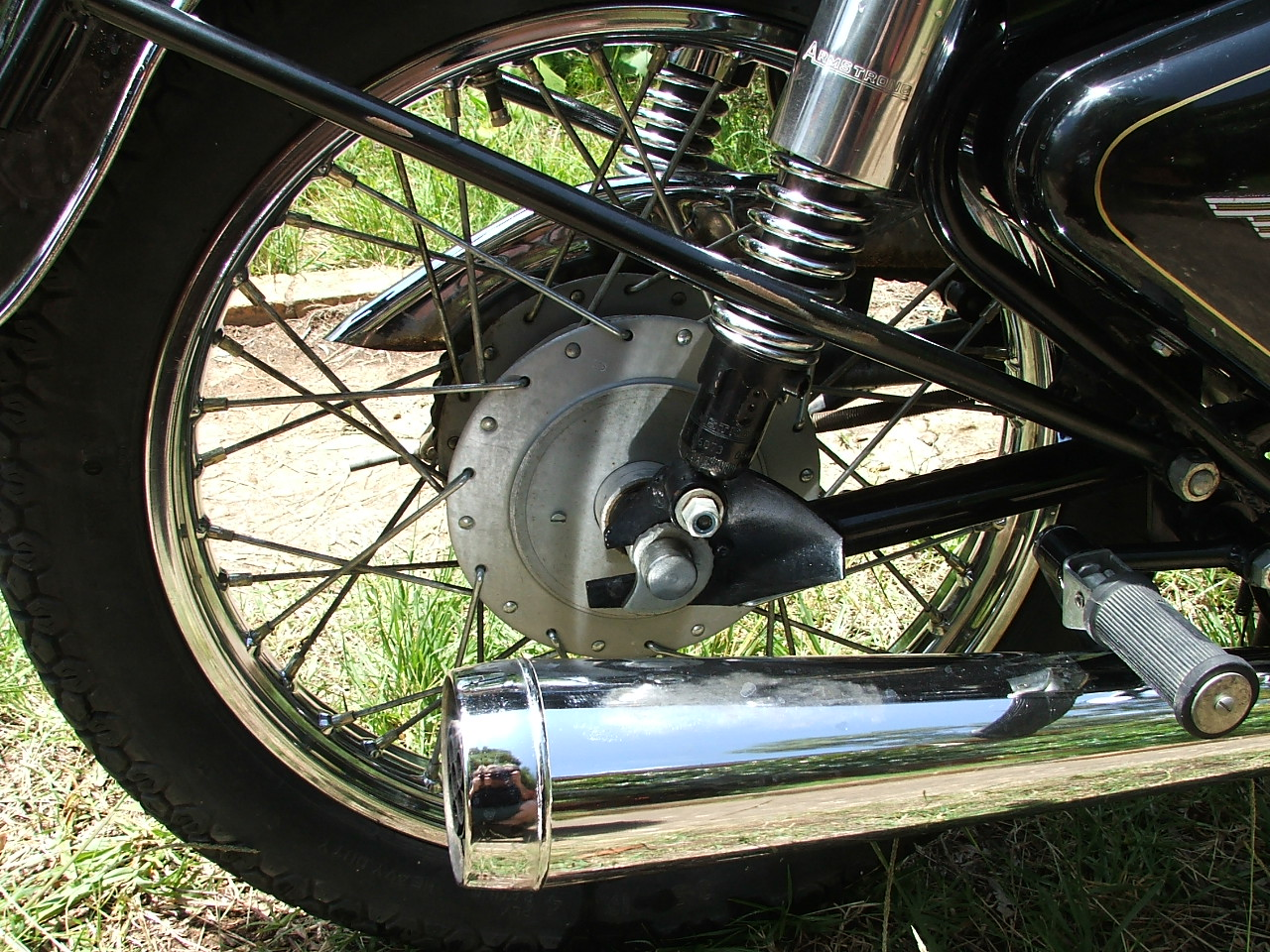 Right side wheel, 350 enfield