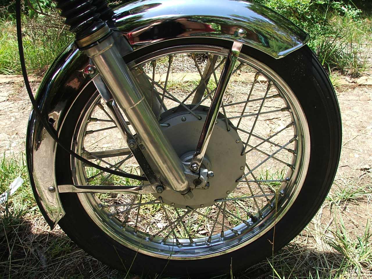 Right front wheel, 350 enfield