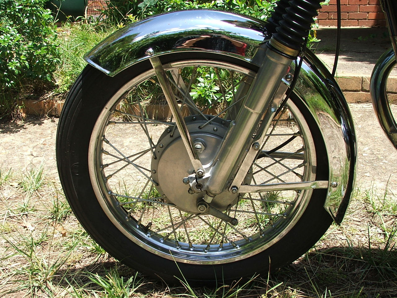 Left front wheel, 350 enfield